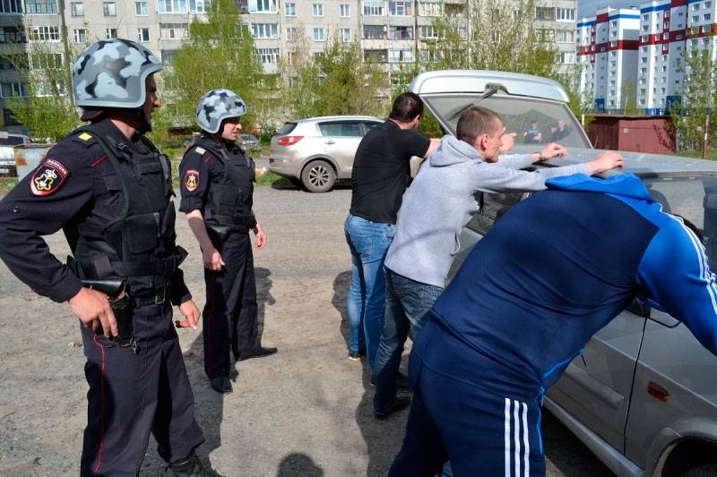 Полиция предложила свои услуги по охране машин от угона
