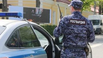 Росгвардия начнет охранять правопорядок на пассажирском транспорте Петербурга