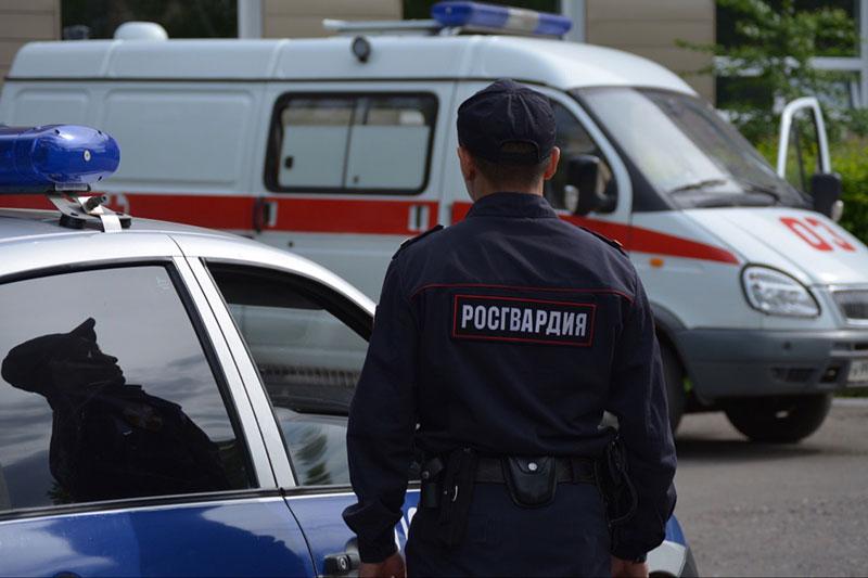 В Омске росгвардейцы защитили медиков от агрессивного пациента