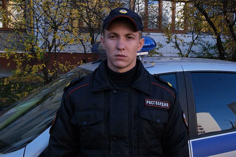 Курские росгвардейцы помогли медикам усмирить агрессивного пациента (видео)