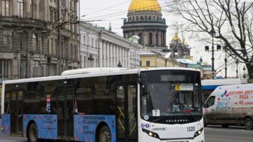 Росгвардия будет охранять кондукторов в общественном транспорте Петербурга