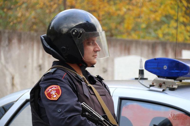 Сотрудники вневедомственной охраны в Орле задержали гражданина, напавшего на фельдшера бригады скорой помощи