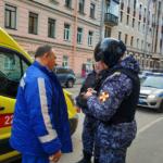 В центре Петербурга сотрудники Росгвардии задержали злоумышленника, напавшего на водителя скорой помощи