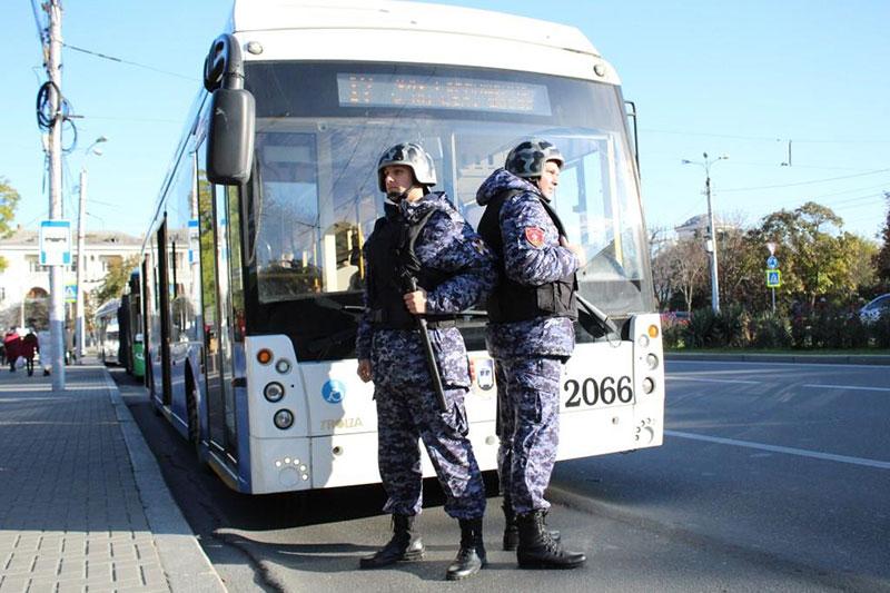 Росгвардия охраняет почти 4 тыс. машин общественного транспорта и скорой помощи