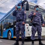 Севастопольские росгвардейцы задержали нетрезвого мужчину, который устроил дебош в городском троллейбусе