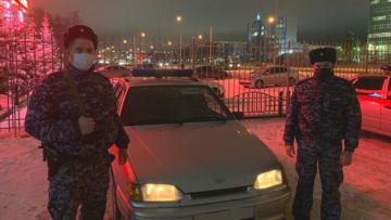В Югре сотрудники Росгвардии задержали подозреваемого в угоне автомобиля