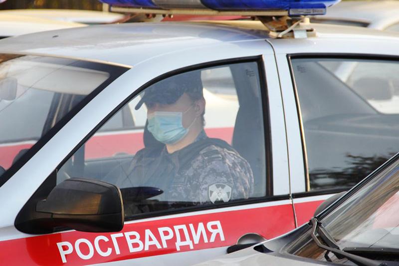 Нарядом Росгвардии в Тюмени задержан подозреваемый в угоне автомобиля