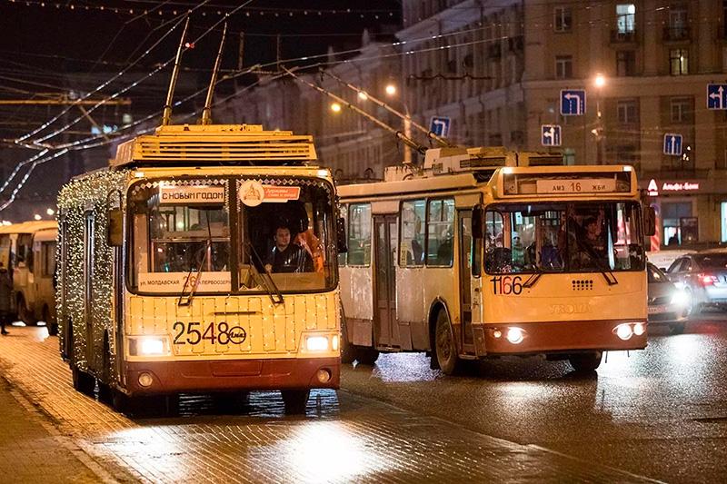 Сотрудники Росгвардии задержали дебошира, устроившего драку на автобусной остановке в Челябинске