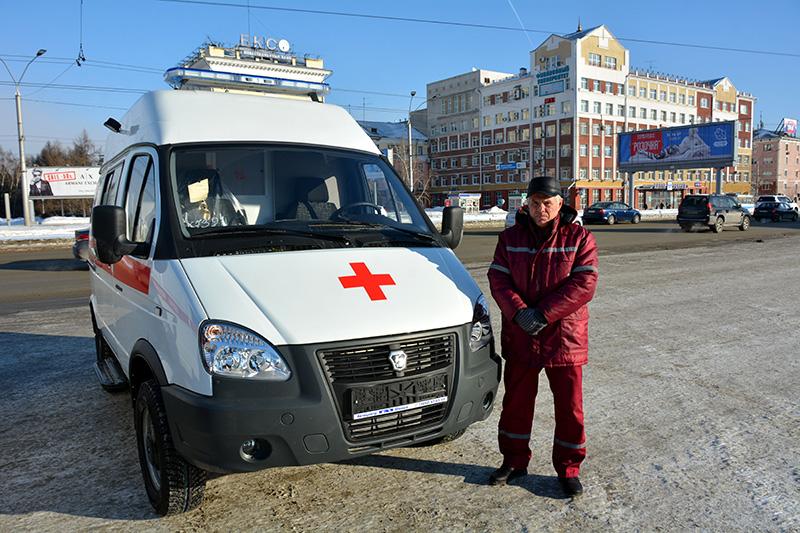 Напавшего на бригаду «скорой помощи» мужчину задержали росгвардейцы в Барнауле