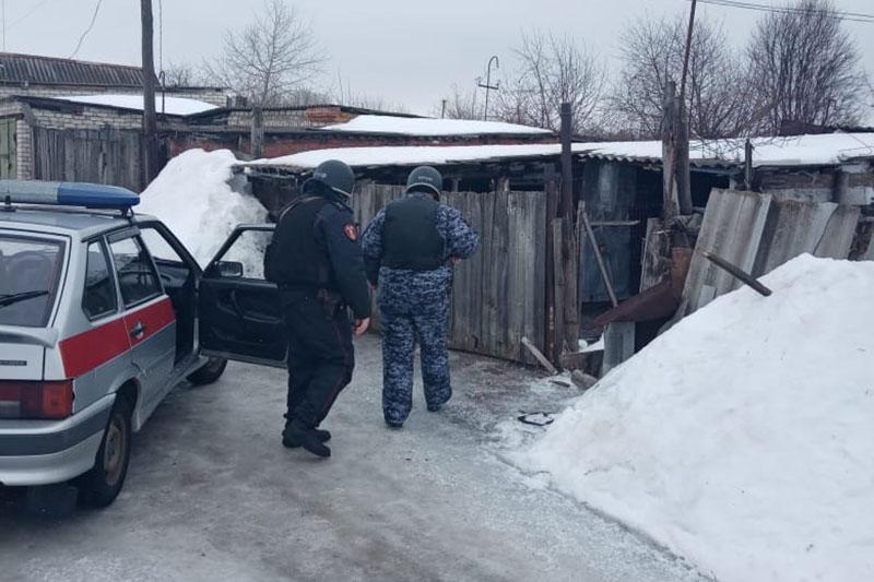 Нарядом вневедомственной охраны Росгвардии в Саратовской области задержан подозреваемый в угоне и поджоге