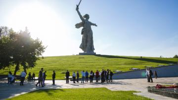 """Группа компаний """"АВО"""" и АО """"ГЛОНАСС"""" выступили партнерами форума """"Транспортная среда"""" в Волгограде"""