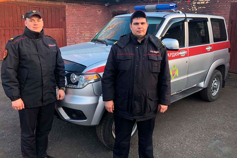 В Кузбассе росгвардейцы задержали подозреваемых в угоне автомобиля