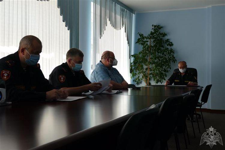 Вопросы обеспечения Росгвардией безопасности бригад скорой помощи обсудили в Омске