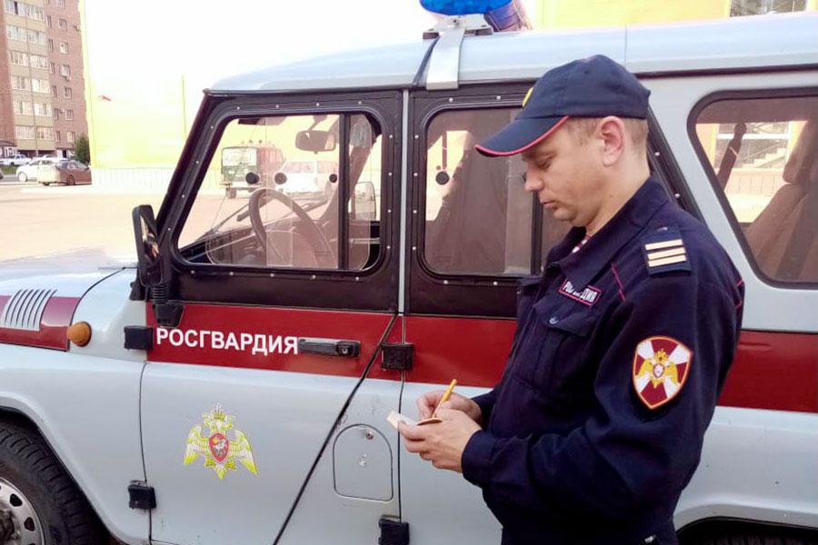 Росгвардейцы задержали злоумышленников, напавших на водителя автобуса в Омске