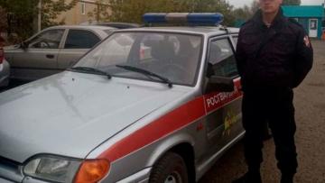 В Кузбассе сотрудник Росгвардии помог вернуть горожанке похищенный автомобиль